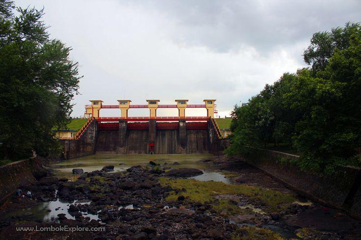 Bendungan Batu Jai (Batu Jai dam), Central Lombok, Indonesia. For more information, please visit www.LombokExplore.com.