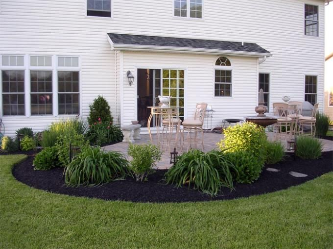 17 best images about beautiful mulch on pinterest the for Landscape design around house