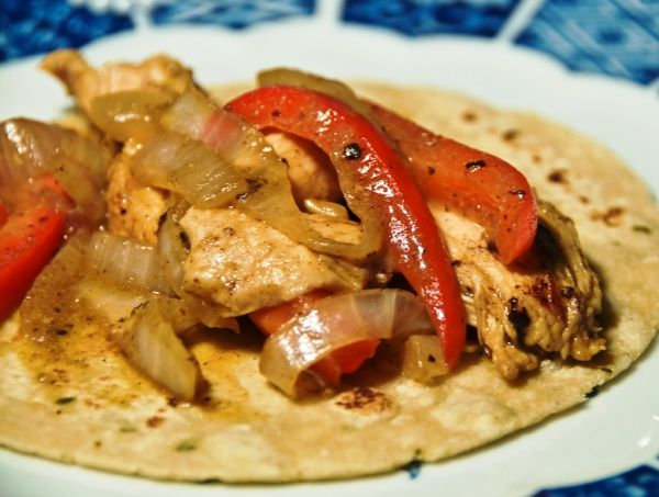 Фахитас из куриного филе с перцами