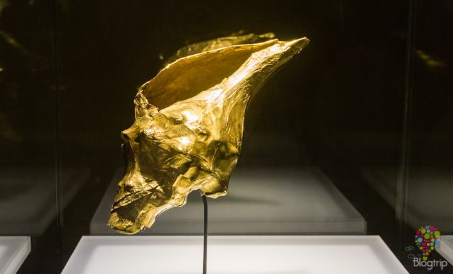 Figura precolombina concha de oro - Museo del oro https://blogtrip.org/visita-museo-del-oro-bogota-colombia/