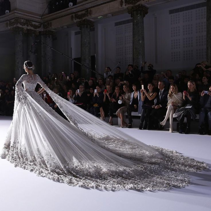 Ralph And Russo Wedding Dresses: 370 Best Images About Couture Wedding Gowns On Pinterest