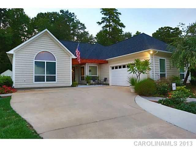 1000 images about houses for sale across america under for Zillow charlotte mi