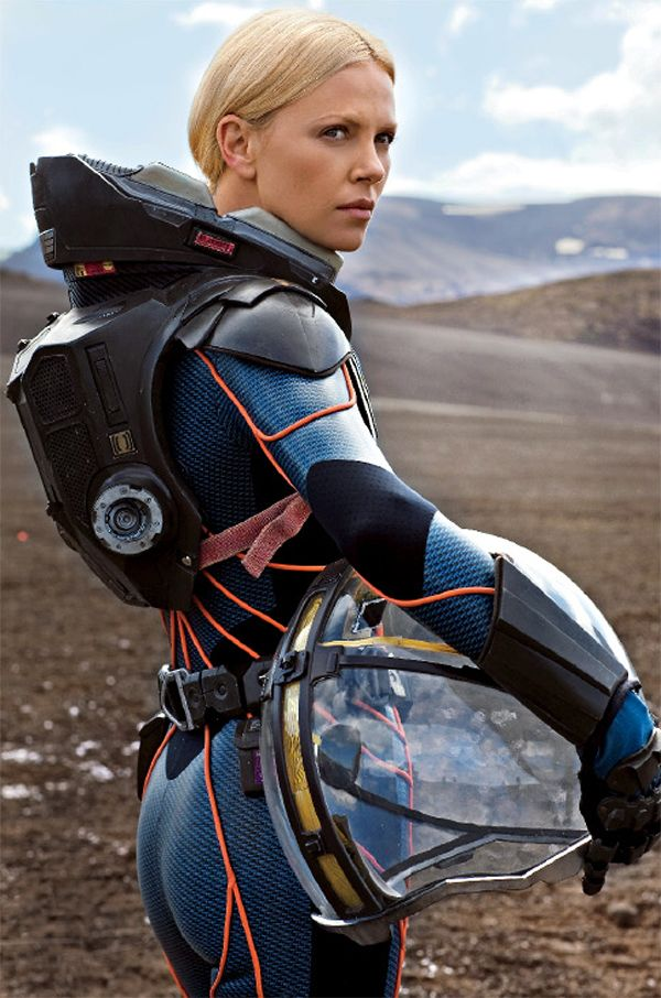 space suit | Charlize Theron                                                                                                                                                                                 Más