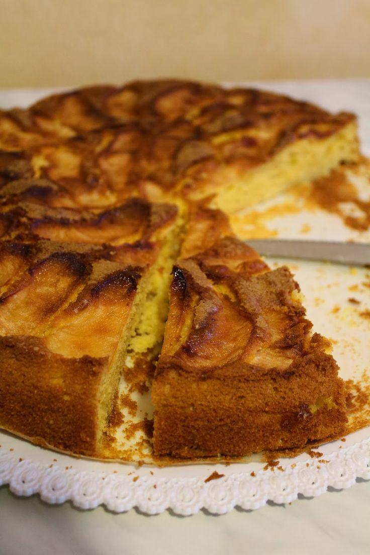 Tempo di torta di mele  https://lellaskitchen.wordpress.com/2014/10/11/tempo-dautunno-tempo-di-torta-di-mele/