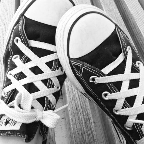 Effortlessly Cool: Converse Chuck Taylors -- I dig the laces.