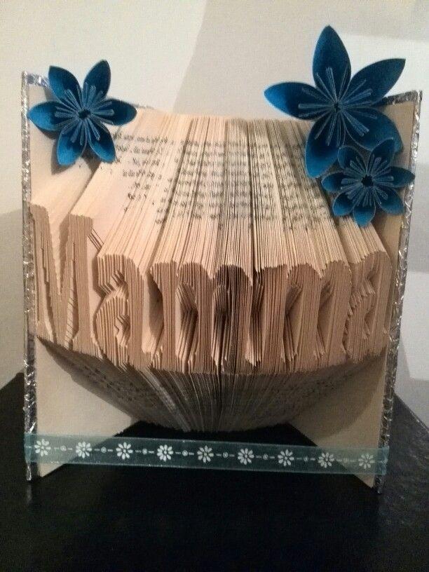 ⚪natta.lk @ instagram⚪ Bokvikning Bookfolding Mamma Mother Mom Bok Book Origami Blommor Flowers Origamiblommor Origamiflowers Morsdag Mothersday DIY Gör det själv Mönster-MiaJohansson