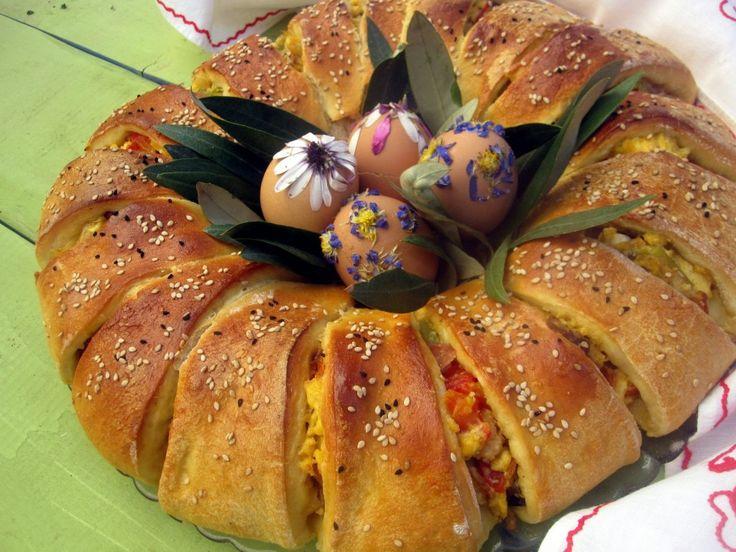Πάσχα στην Κουζίνα: Πίτα στεφάνι γεμιστό για Πασχαλιάτικο πρωινό - Craftaholic