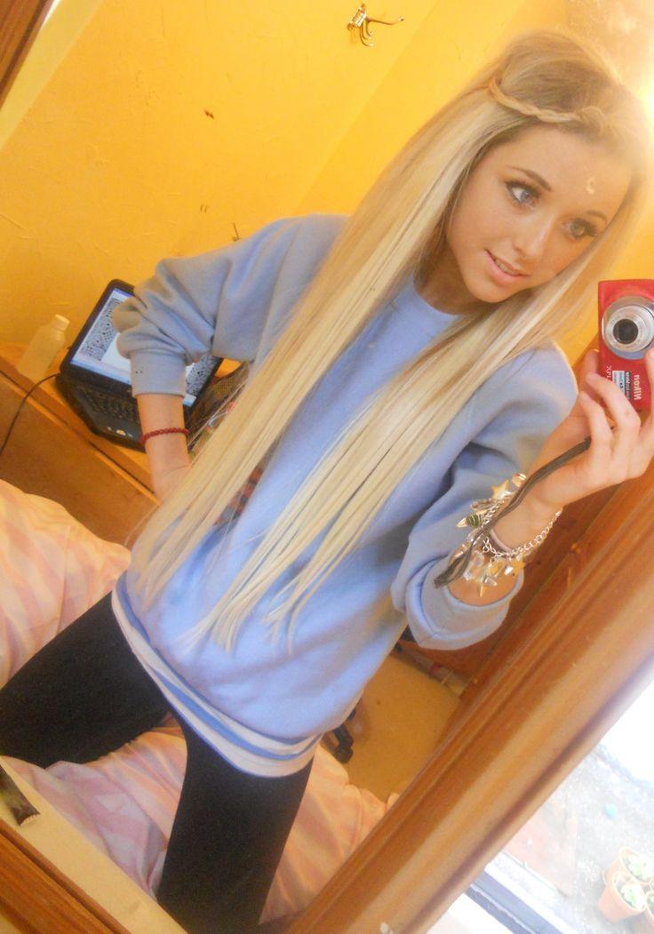 ass on her blonde hair