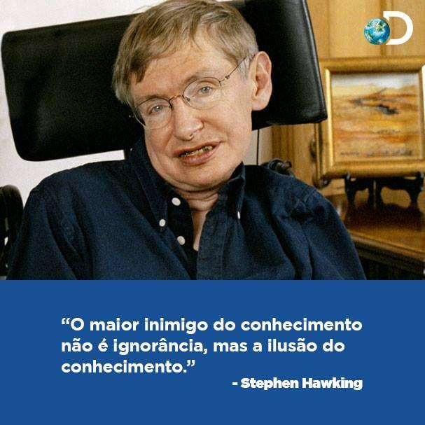 físico teórico e cosmólogo britânico Stephen Hawking, que aos 20 anos foi diagnosticado com uma doença degenerativa e teria apenas 3 anos de vida, e que hoje completa 72 anos como um dos mais consagrados cientistas da atualidade.