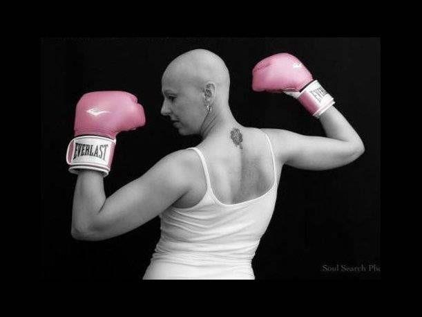 Si conocer a alguna mujer fuerte y guerrera que esté sufriendo de cáncer de mama, ¡compártele estas lindas frases de lucha contra el cáncer de seno!