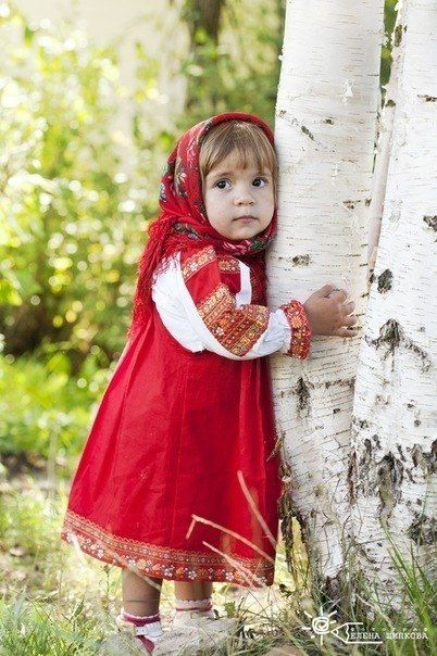 .Little Girls, Little Red, Girls Generation, Traditional Dresses, Children Costumes, Traditional Costumes, Red Riding Hoods, Beautiful Russian Girls, Photographrussian Girls