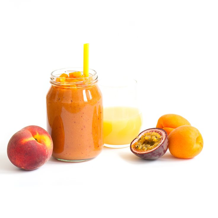 Peach, Apricots and Passion Fruit Smoothie: 150ml apple juice + 1 peach + 3 apricots + 1 passion fruit (strained).