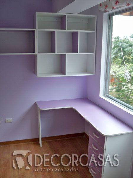 Módulos de melanina lila y blanco. comprende de escritorio con cajones  y librero alto ,estos son para una niña