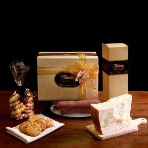 "A gift that will have you savouring the full range of traditional food and tastes of the Emilia region. ""Gazzetti"" 24 month-aged #Parmesan kg.0.500/0.550 Preboiled #Zampone ""Regnani"" kg.1 #Amaretti di #Modena bicuits  gr.250  #gazzettifood #gazzetti #italianfood #christmas"