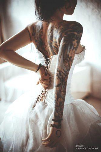 8fe320007e1e7 21 Creative Wedding Tattoos That Inspire You | ženy | Tattoos, Girl ...