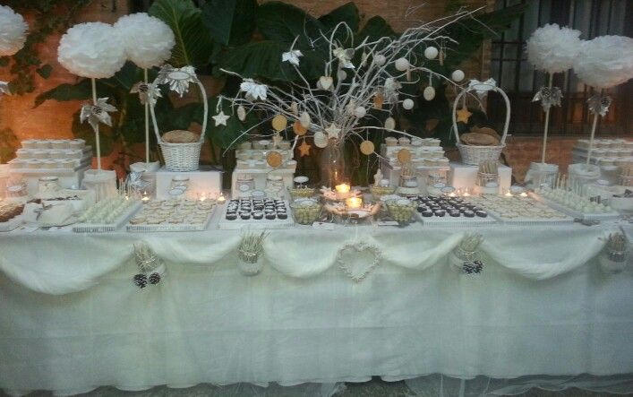 17 best images about dulces on pinterest hanging for Mesas de bodas decoradas