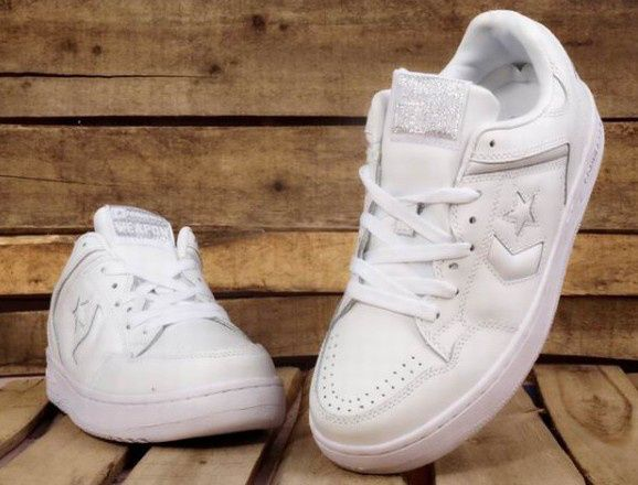 Converse basketball shoes white  #It is good for running #fashion #nice #sports #men's shoes #basketball shoes