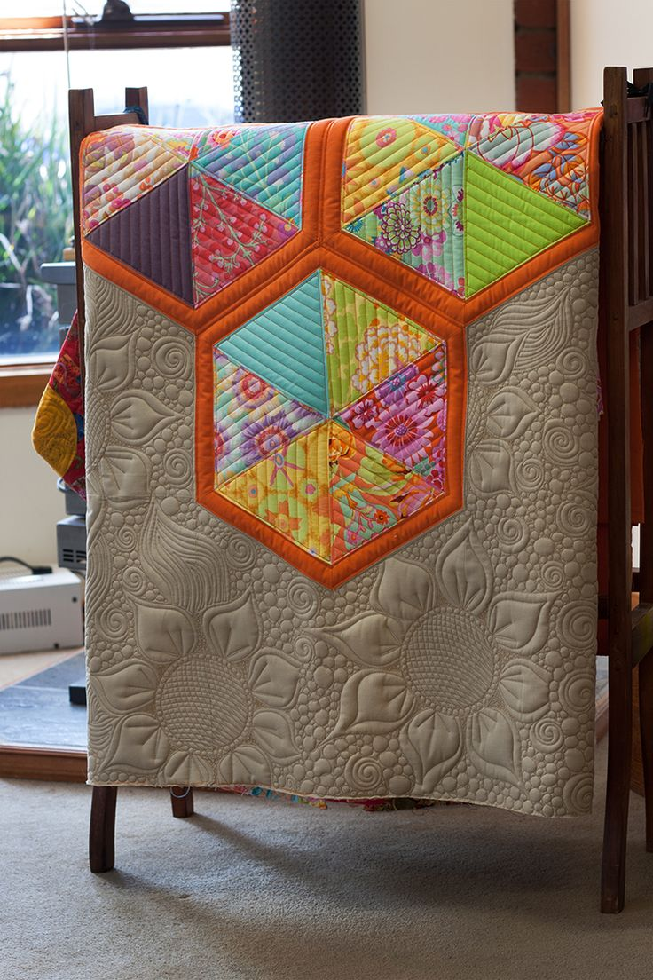 Hexagons and Sunflowers Quilt – Free Bird Quilting Designs