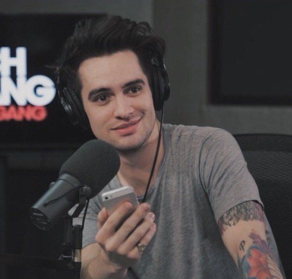 brendon urie fanfic smile - photo #12