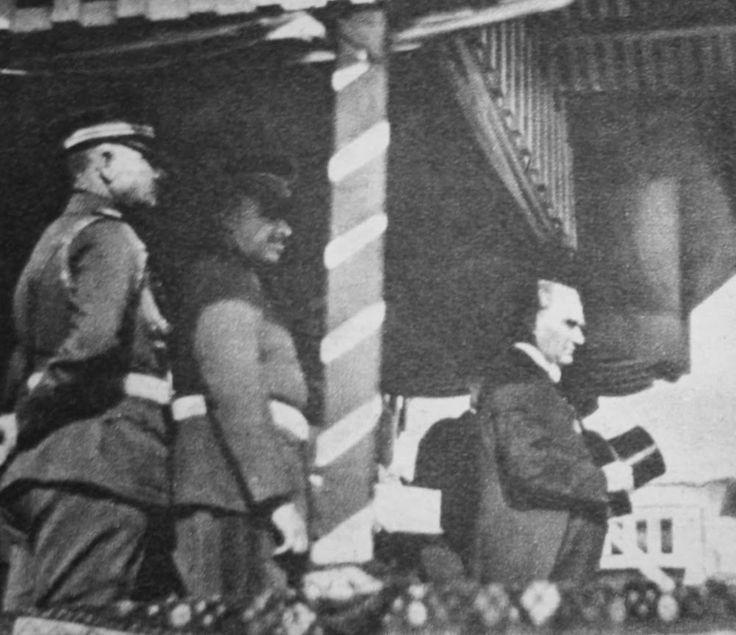OĞUZ TOPOĞLU : atatürk cumhuriyetin dördüncü yıldönümü tören 1927