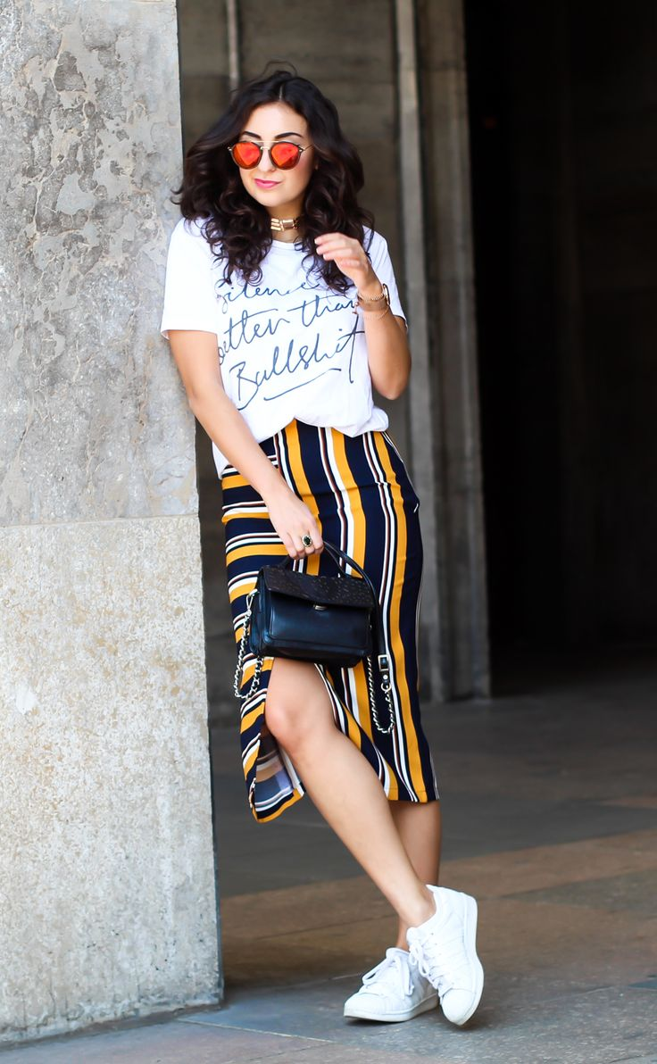 New Look striped midi skirt Rad motto shirt adidas superstars women outfit casual sporty summer look berlinstyle fashion blogger germany berlin samieze