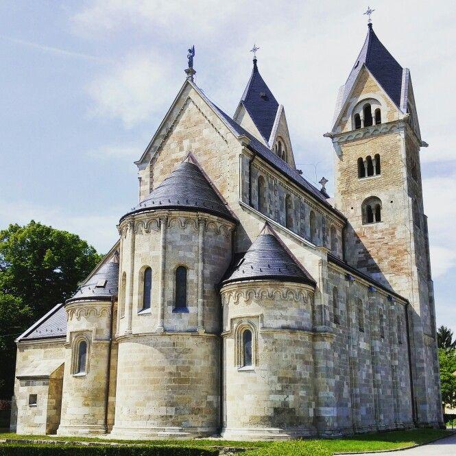 Hungary, Lébény, Szent Jakab apostol plébániatemplom
