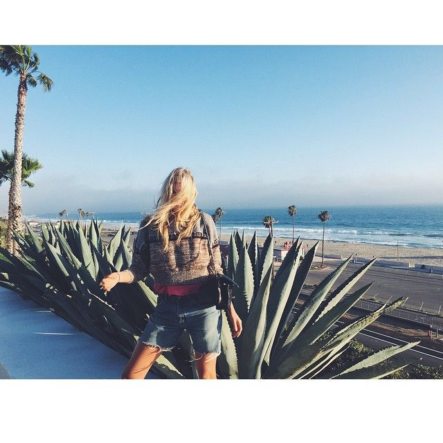 """Wrap in Malibu! "" reagram from Elsa Hosk"