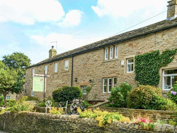 Poppy Cottage No 1: Poppy Cottage No 1 is located on the outskirts of the village of Carleton near Skipton… #Hotels #CheapHotels #CheapHotel