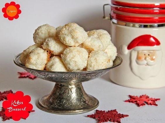 Kokosbusserl vegan - Kokos Makronen - Freude am Kochen - Weihnachten - Weihnachtskekse - Weihnachtsgebaeck - Weihnachtsplaetzchen