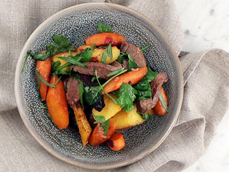 Flankstek med rostade morötter, dragon och brynt smör | Recept från Köket.se