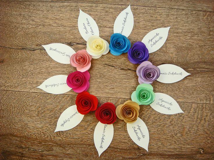 kolorowe papierowe róże na winietkach jotstudio.pl