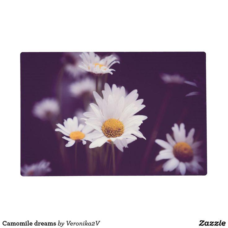 Camomile dreams placemat. photo, photography, artwork, buy, sale, gift ideas, camomile, flowers, divination, love, violet, purple, liliac, white, dreams, bright, colorful, glow, petals, dark, home, decor, comfort