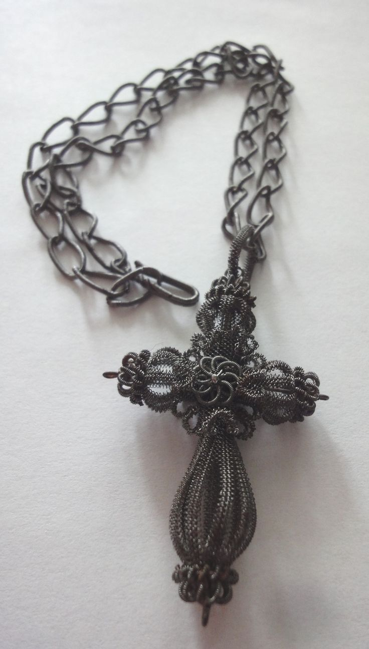 Silesian Wire Work Chain and Cross, end 18th Century.