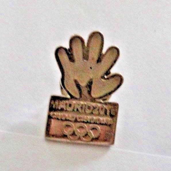 Madrid Spain 2016 Olympic Pin Pinback Candidate City Bid for Summer Olympics