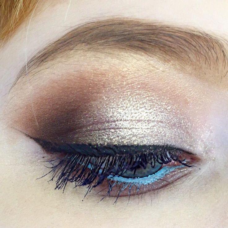 Кошачий глаз в #obukhovamakeupschool  Как же я буду скучать по моим дорогим ученицам!  #карандашнаятехника #школамакияжа #курсымакияжа #obukhovamakeup #makeup
