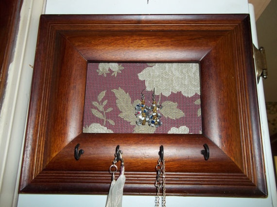 Repurposed picture frame jewelry holder by sohlenlede on for Repurposed jewelry holder