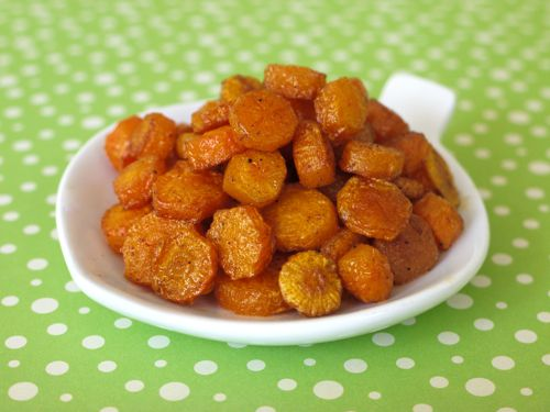 roast carrot coins - toddler food...these were awesome, and easy.  Baby gobbled them up!