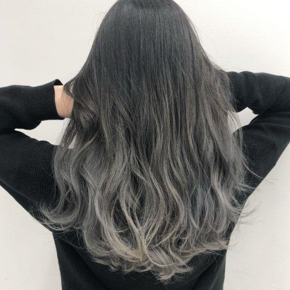 地毛から繋げたグラデーションカラー Kanako グレー ヘアカラー 髪