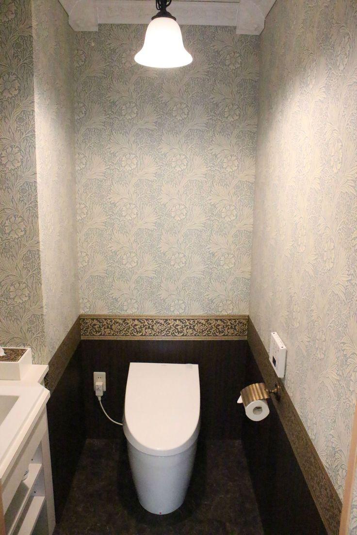 といれたすには、トイレがたくさんありますが、もちろん実際に使えるお客様のトイレもあります。 そのお客様用トイレの1つをDIYでインテリアしてみました。  テーマはウィリアム・モリス。日本では、壁紙といえばモリスというほど有名なモリス、そのモリスの壁紙を全面に貼りました。お客様用使えるトイレ ウィリアム・モリス トイレ - トイレインテリア専門店といれたす