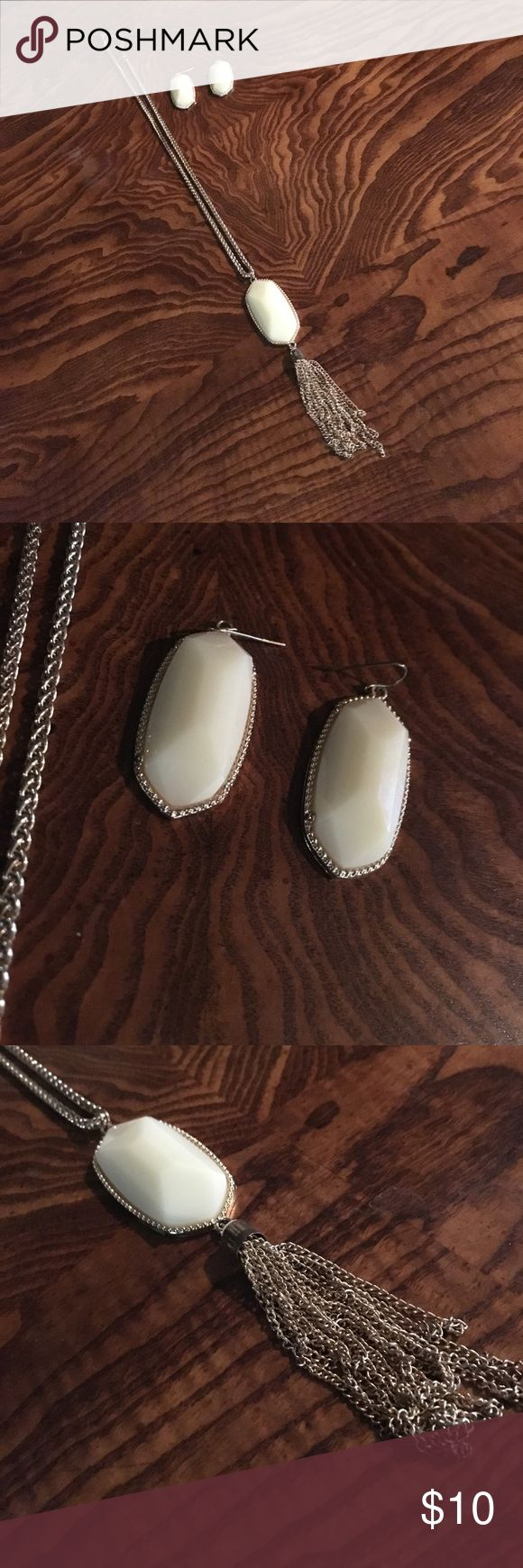 ✨ SET SALE! ✨ EARRING & NECKLACE SET Kendra Scott styled dangle necklace with matching dangle earrings. Cream color. Beautiful set! Excellent condition! NOT REAL KENDRA'S. Tagging for preference. Kendra Scott Jewelry Necklaces