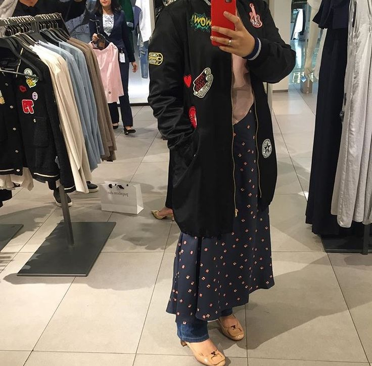 So in loved with this Zara long jacket 😍 n I'm paired it with H&M dress n jeans n Tory Burch pumps