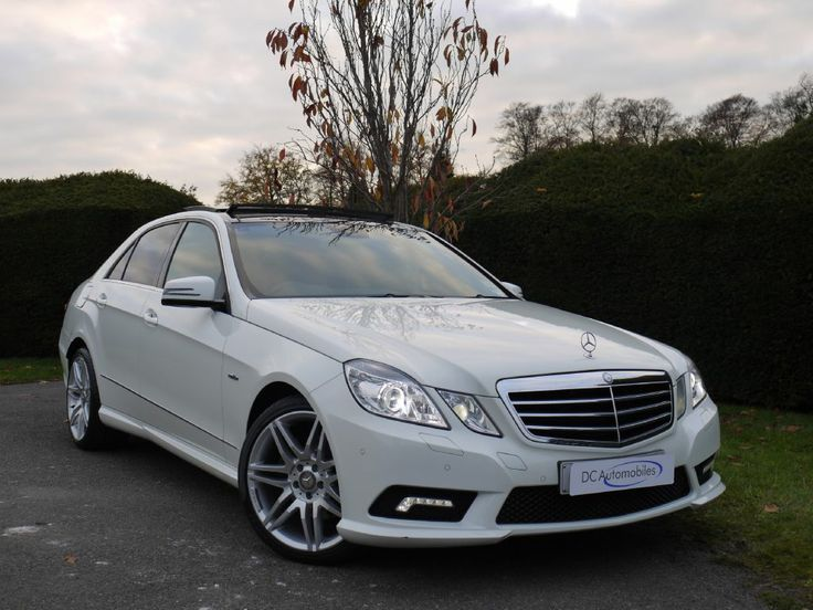 This is one of the highest specified E350CDi currently available in the market place. It is truly stunning, finished in Calcite White with Black Dinamica/Artico Interior. £23,850