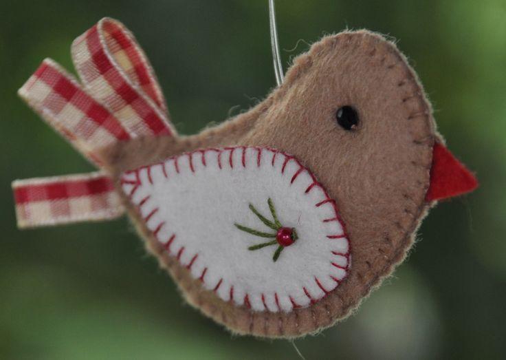 Vogel lintstaartje [2 stuks] | Kerst | Decoraties | Vilt | Handwerk | zelfmaakpakketjes | Atelier Wilma Creatief