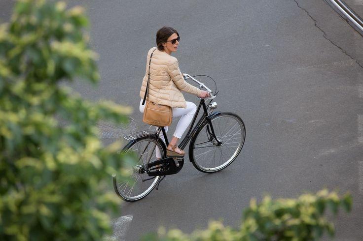 #altrabajoenbici con Velo-ce  www.avantum.bike/veloce