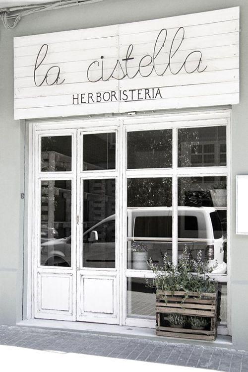decoracion_exterior_comercios_cafeterias_restaurantes_sencillo_blog_apm_interiorismo_diseño_1