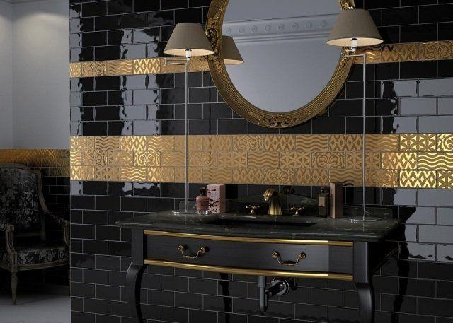Design de salle de bain avec agencement de céramique et dorure