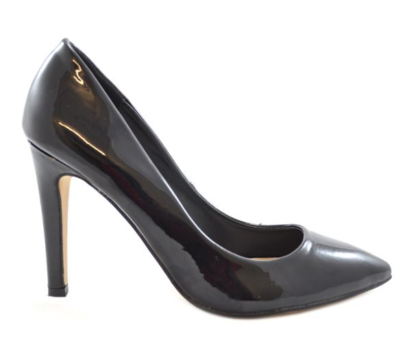 Court shoes are always needed in black...but erm....are they too pointy or rounded???  Well now you can make a choice to suit your desire!!  Black patent high heel court shoes with either a pointy front or rounded front: http://www.shoesdays.co.uk/collections/heels-homepage