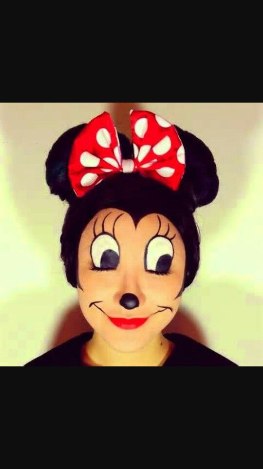 Minnie face paint