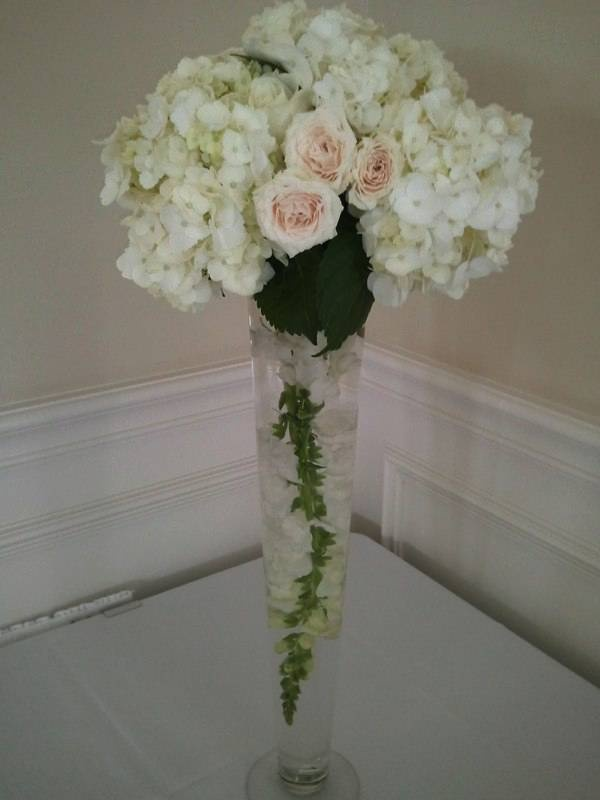 Centerpiece bouquet ~ Florals by Weddings By Nicole