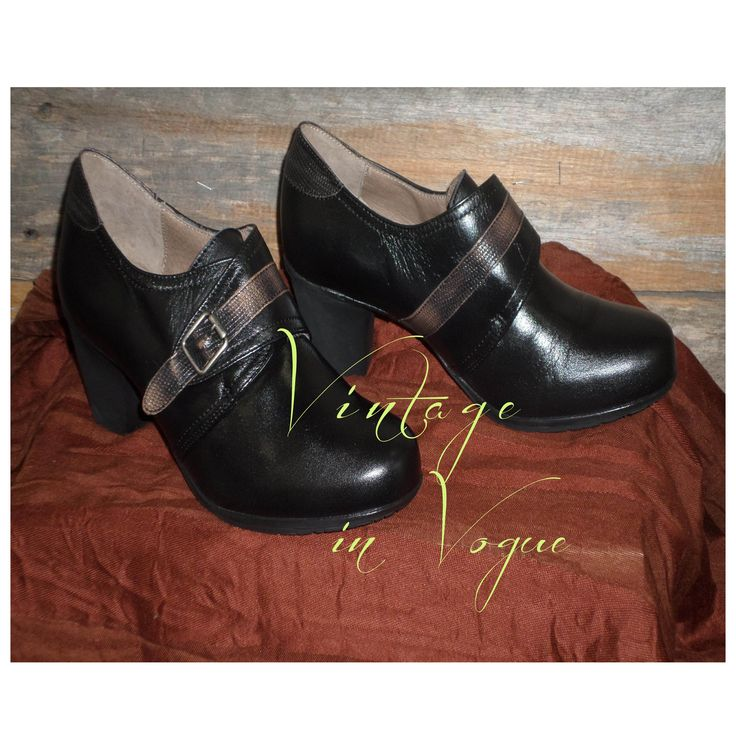 Classic #vintagestyle shoes are back! These all leather Spanish Booties are just so comfortable.